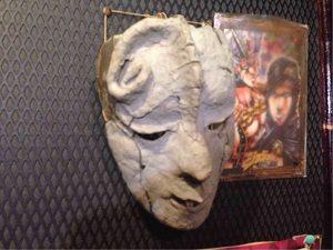 ジョジョBAR杜王町にあるジョジョ第1部の石仮面