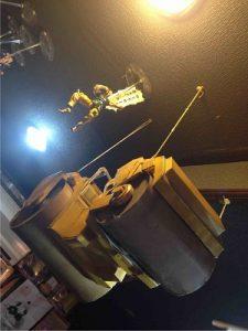 ジョジョBAR杜王町の天井からはDIO様がロードローラーで