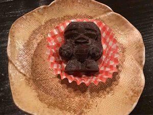 ガンダム食堂タムラ店長手作りのアッガイ型チョコレート