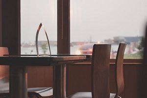 カフェと喫茶の違いは法律にあり?