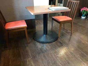 中華ひろやにはテーブル席のみ