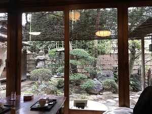 古桑庵の客室から眺める庭が良い